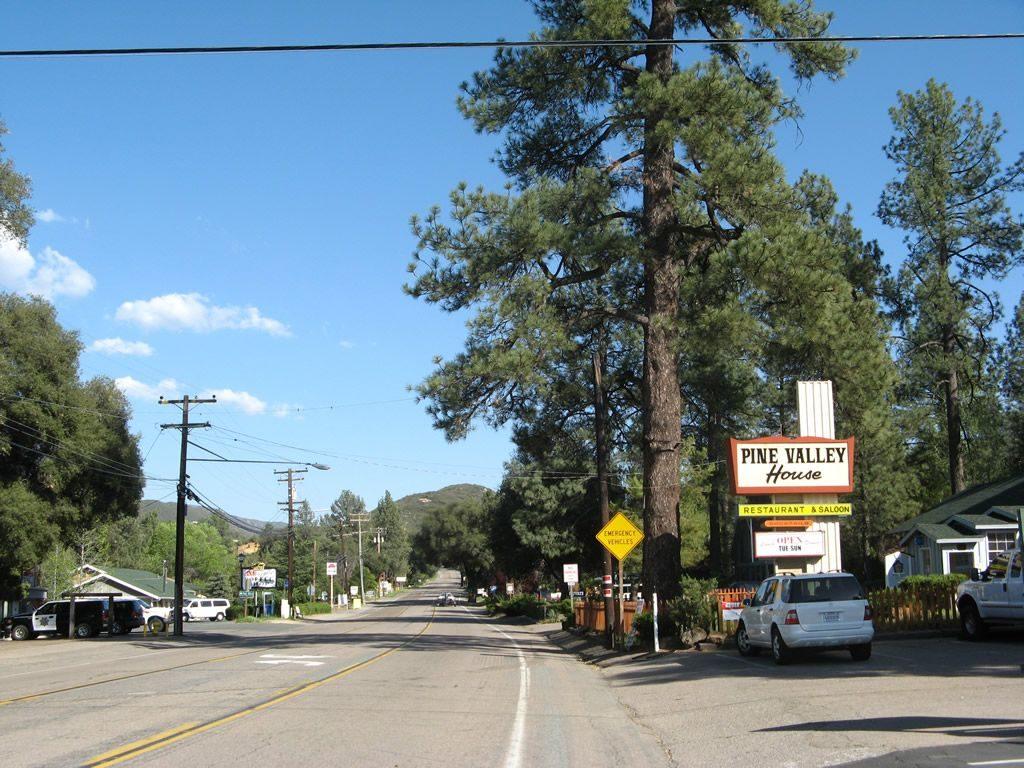 Attorneys Near Pine Valley